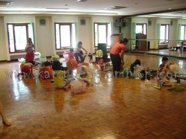 Lomba Menghias Lampion Di Ciputra Family Club Surabaya