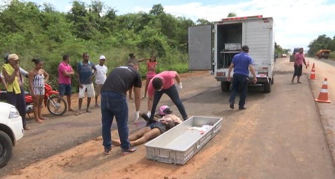 VÍDEO - Colisão entre caminhão e motocicleta na BR-226 deixa duas vítimas fatais
