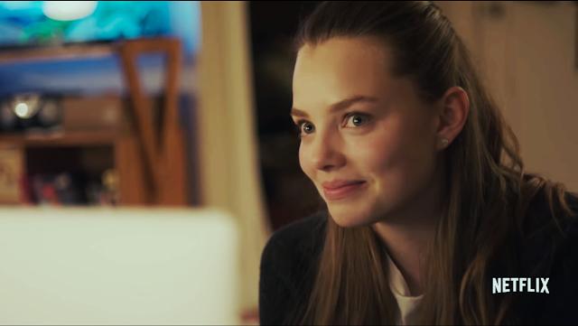 Kristine Froseth na nova comédia adolescente Sierra Burgess é uma loser.
