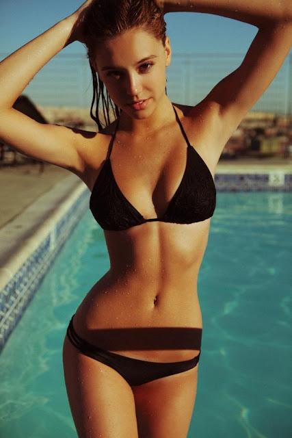 Hot girls Alexis Ren sexy bikini queen model 3