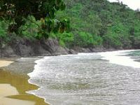 Pesona Wisata Pantai Banyu Anjlok di Malang Jawa Timur