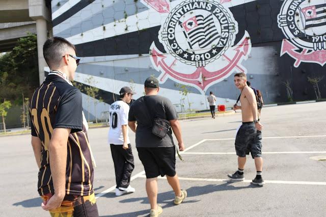 Quatro coletivos paulista se unem em remix da A$ap mob na Arena Corinthians #FLOWROMERO