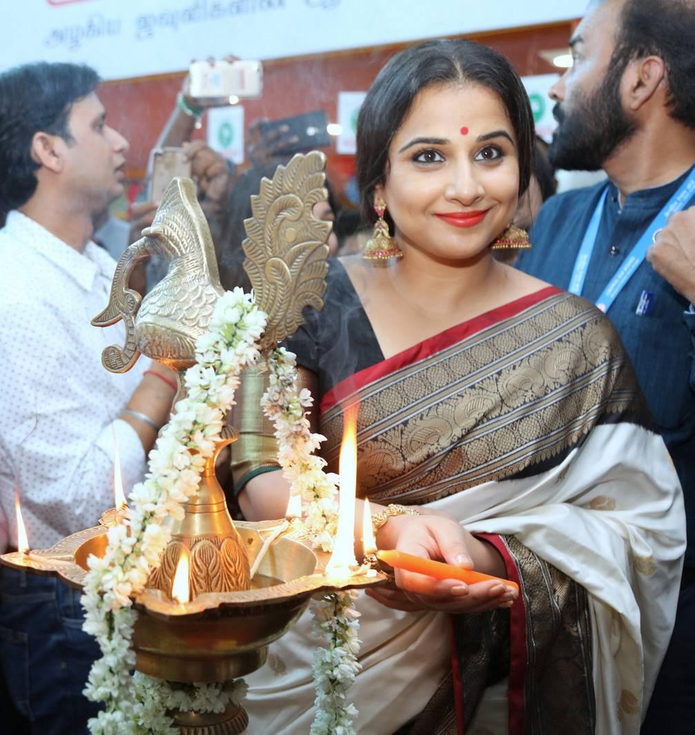 Vidya Balan In White Saree At Silk Mark Expo Launch -3072