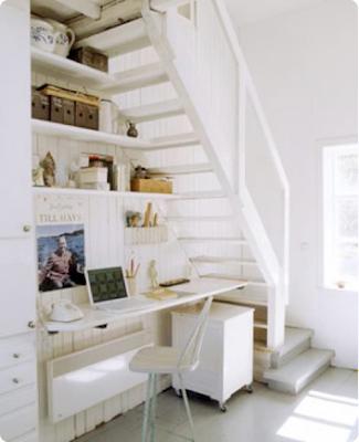 como aproveitar o espaço embaixo da escada
