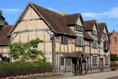 Старинный дом-музей, где родился поэт Уильям Шекспир