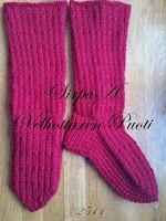 http://www.velhottarenpuoti.fi/p/clothing-vaatteet.html