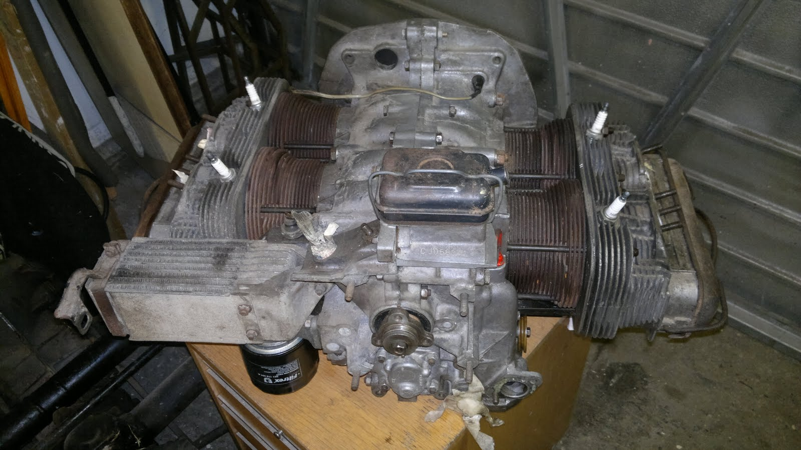 Pauls splitscreen van project: Type 4 Engine Long Block Arrival