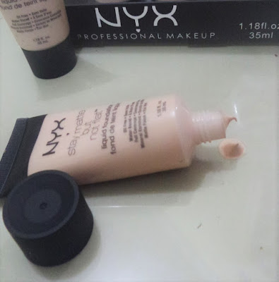 NYX STAY MATTE LIQUID FOUNDATION