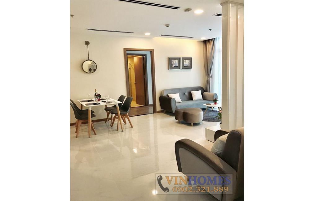 Bán căn hộ Vinhomes Landmark 2 - bàn ăn và sofa