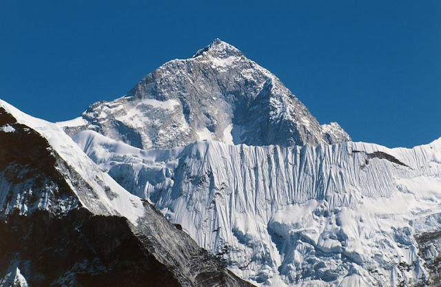 Makalu Mountain