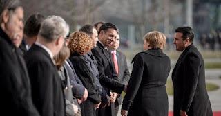 Ο διπλός εκβιασμός του Βερολίνου για τα Σκόπια