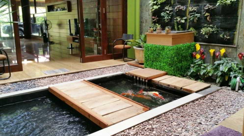 Desain Kolam Ikan Hias untuk Rumah Mewah