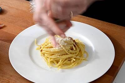Spaghetti alla carbonara 8