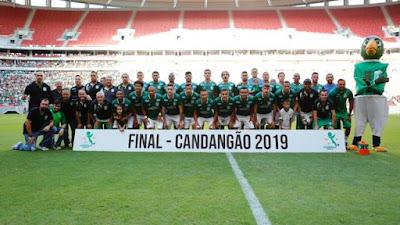Gama faturou o 12º título do Candangão (Foto: Anderson Papel/Artimidia Press)