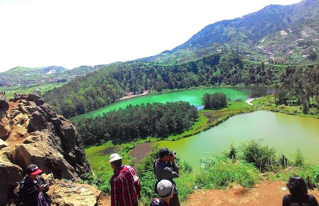 Wisatawan Telogo Pengilon Dieng Wonosobo Jawa Tengah