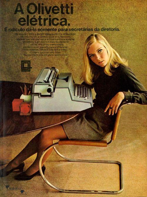Propaganda antiga da Olivetti apresentando sua máquina de escrever elétrica