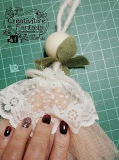 come creare gambe e bracce per le bambole con filo di feltro