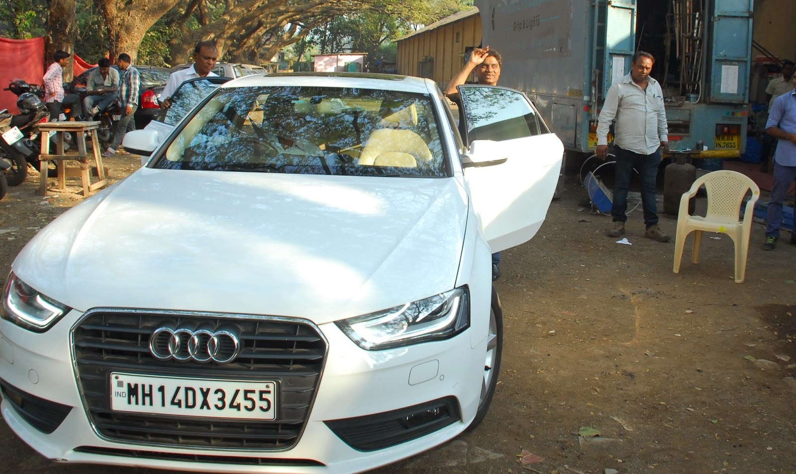 Johnny Lever With His Audi Q7 Photos