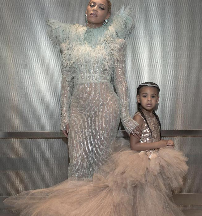Another view of Beyonce and Blue Ivy's lovely dresses at #2016VMAs