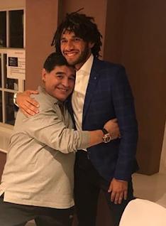 مارادونا والننى من حفل جوائز الفيفا