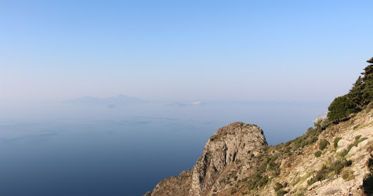 Hiking to Aghios Theologos in the Dikaios Mountains