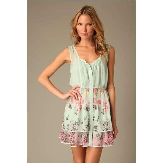 Dresses: Flowy summer dress