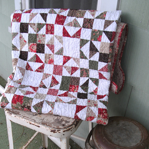 Hidden Stars Quilt Free Tutorial designed by Crystal Hendrix of Hendrixville for Modabakeshop