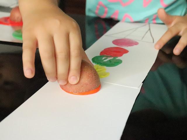 peinture-avec-pommes-de-terre-maternelle