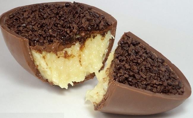 Ovo de Páscoa Trufado de Beijinho Amarula ou Chocolate Branco