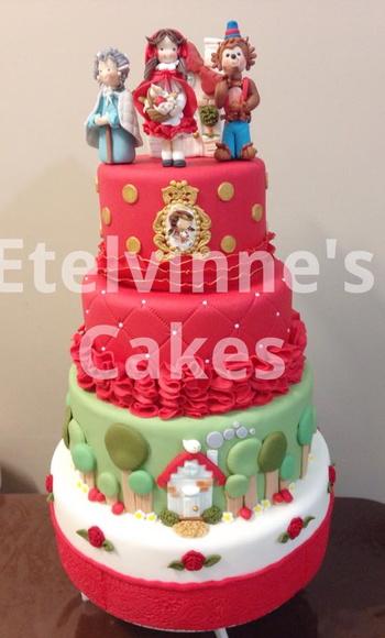 Bolo Chapeuzinho Vermelho Etelvinne's Cake