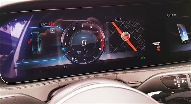 Màn hình phía sau vô lăng Mercedes S450 L Luxury 2019 thiết kế chuẩn HD
