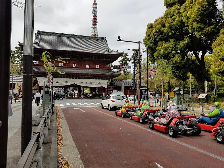 在増上寺遇見駕駛 Gocart 的玩家