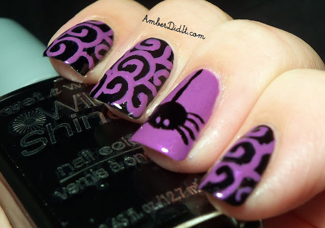 Amber did it!: Halloween Spider Nail Design