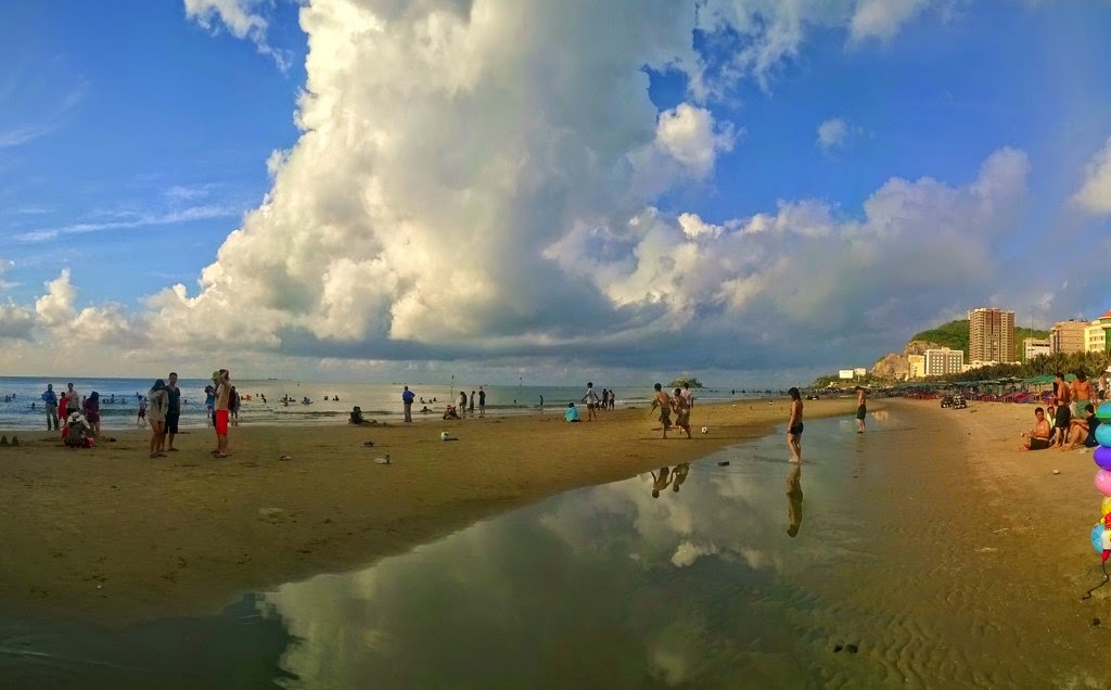 Vung Tau, a favorite beach of Southern people 19