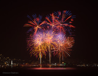 Fireworks Photography : Canon EOS 6D / Canon EF 70-300mm f/4-5.6L IS USM Lens