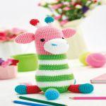 http://www.topcrochetpatterns.com/free-crochet-patterns/amigurumi-giraffe1