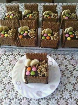 gelin sandığı ikramlıklar, petibör, bisküvi, püskevit, ikram, çikolata, şeker, puding, meyve, vanilya, yemek tarifleri, ev yemekleri, pratik yemekler
