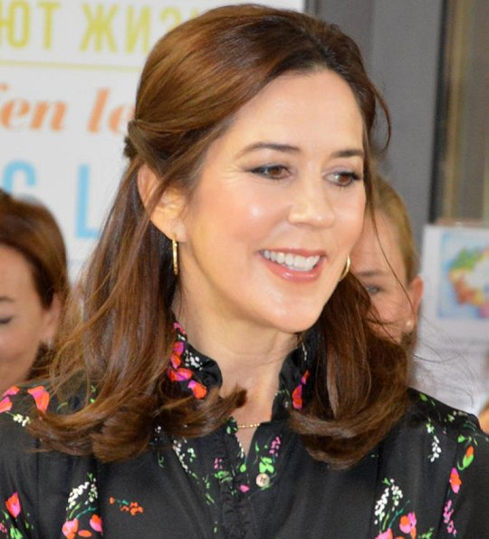 Crown Princess Mary wore Julie Fagerholt Heartmade Harin black flower print silk dress. Valentino pumps. Baby Jesus Paediatric Hospital