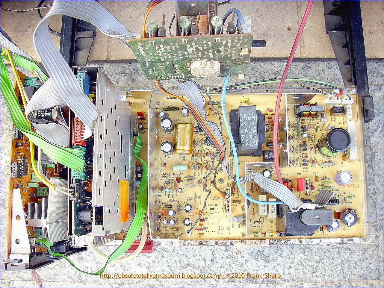 Obsolete Technology Tellye Itt Digivision 3876 Hifi Oscar Chassis Kv High Voltage Dc Power Supply With Neat Trick For Switching Polarity A Known Advantage Thereof Is That The Transistor Must Be Able To Stand Or Provide Great Current But It Need Not Dissipate