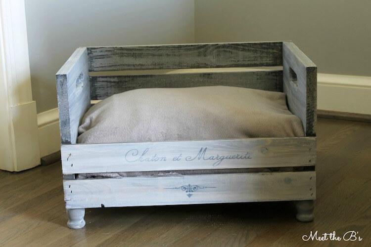 Reciclar cajas de vino y transformarlas en una cama para mascotas