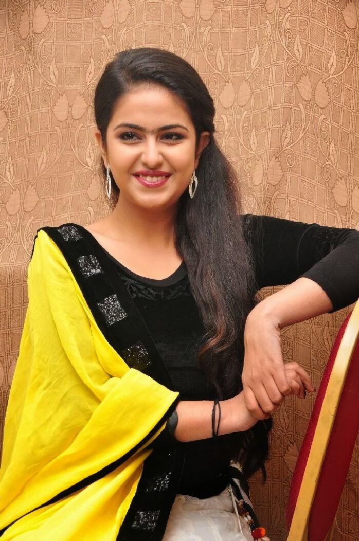 Tamilcinestuff Avika Gor Photos À Uyyala Jampala Film Audio Lancement Functionhot Les filles sont un des plus beaux êtres dans le monde-8636