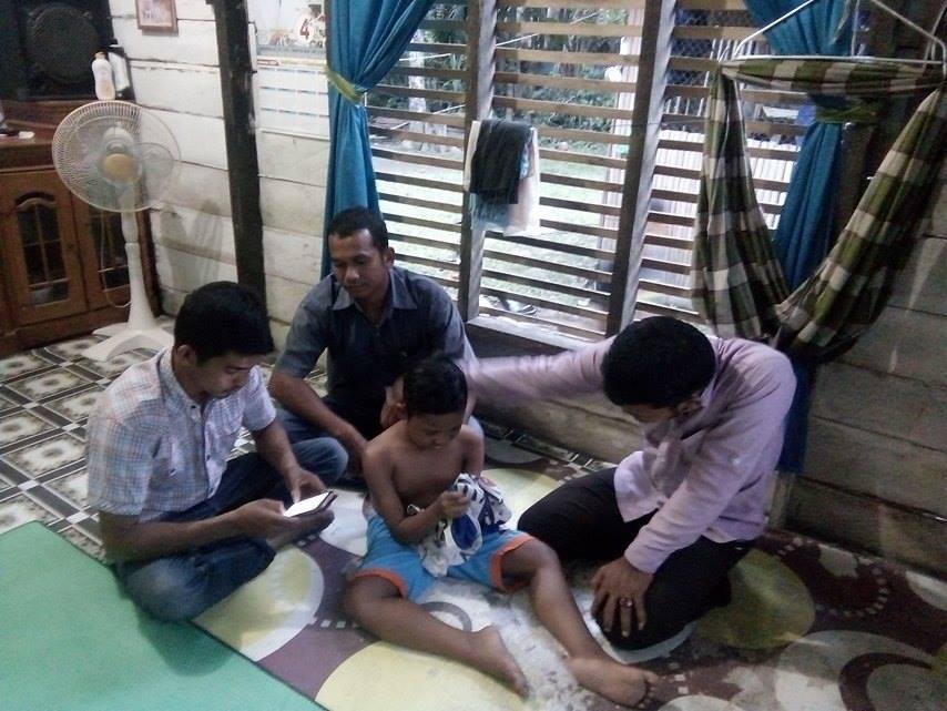 Anak Kaum Dhuafa yang Berprestasi Membutuhkan Korsi Roda