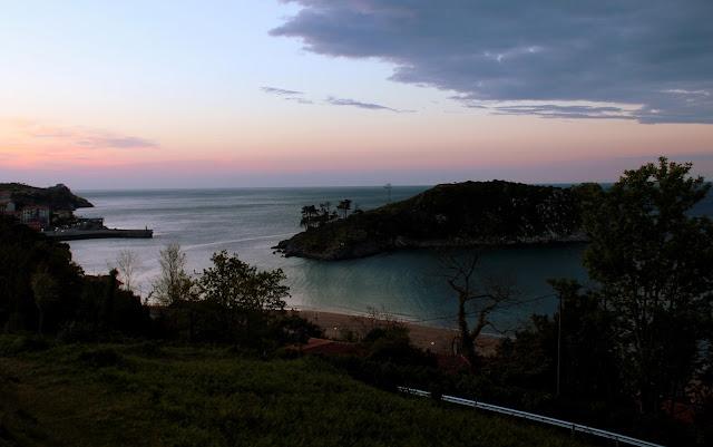 Puesta de sol en la isla de San Nicolás en Lekeitio