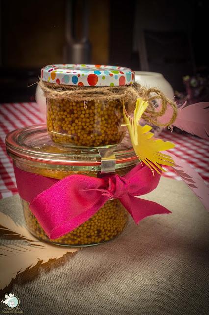 Eingelegte Senfkörner als Geschenk mitbringen
