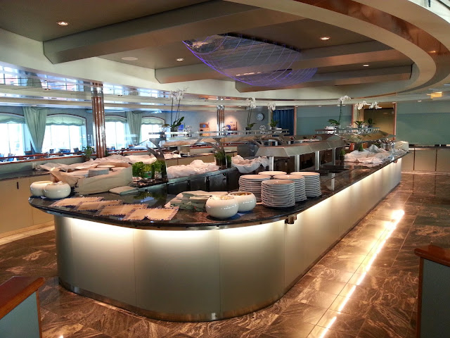 Hurtigruten MS Trollfjord - Saga Hall Restaurant