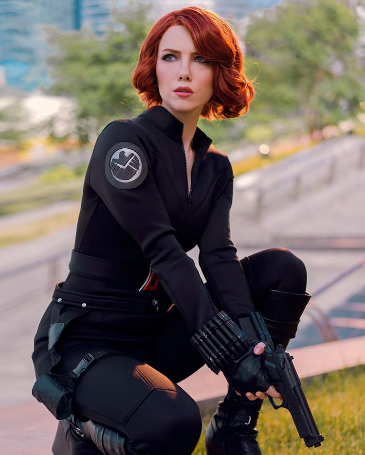 helen stifler sexy black widow cosplay 02