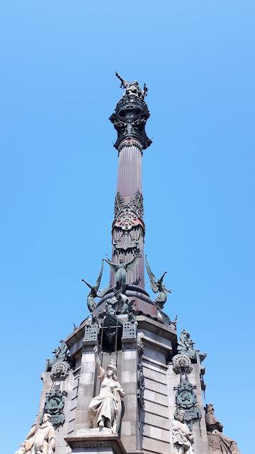 Plaça del Portal de la Pau Barcelona