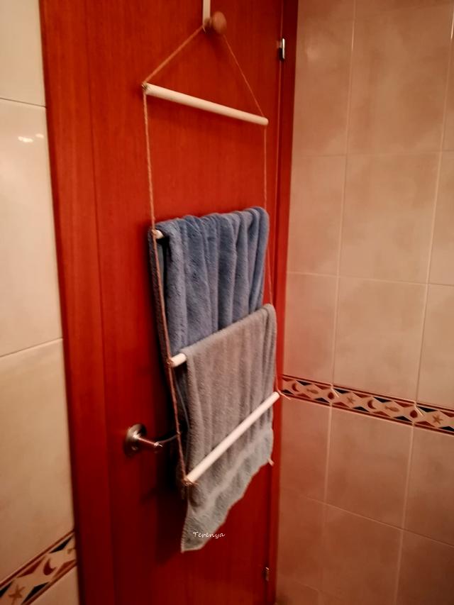 como-hacer-toallero-escalera-reciclando