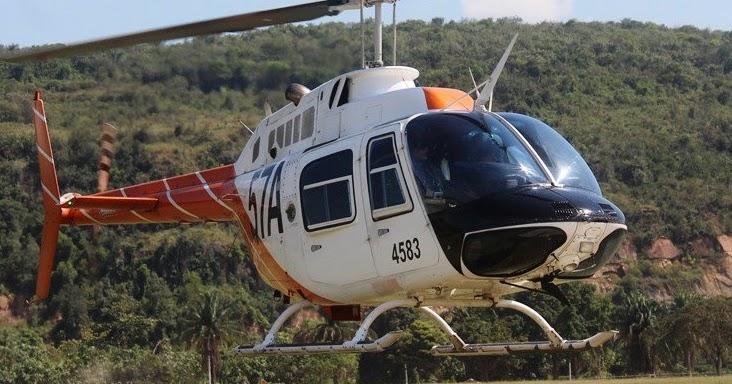 oficiales latinoamericanos celebran su vuelo solo en helicópteros th