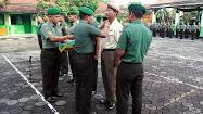 Prajurit Terima Kehormatan Kenaikan Pangkat